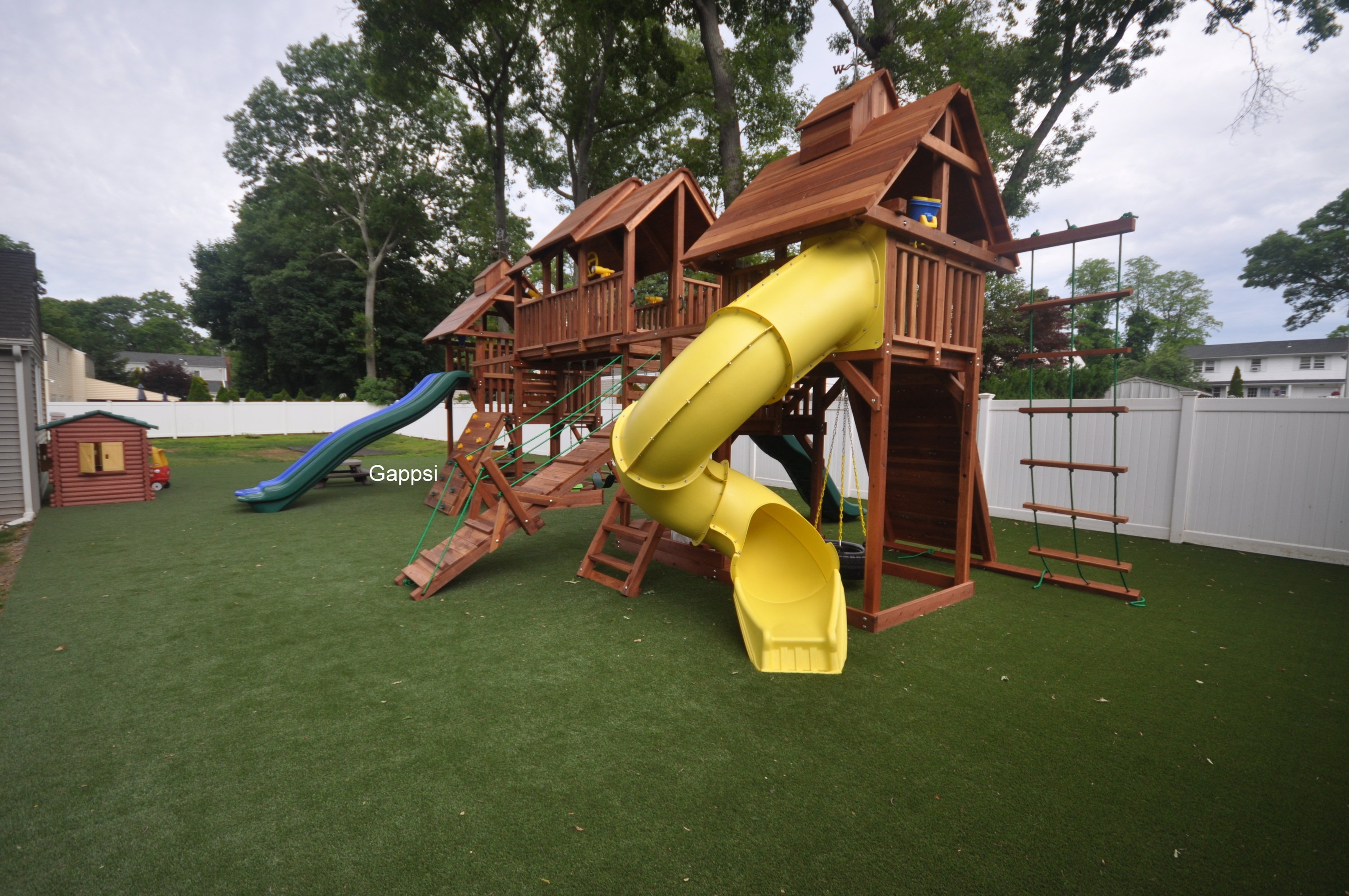 Large playgrounds dealers long island Gappsi
