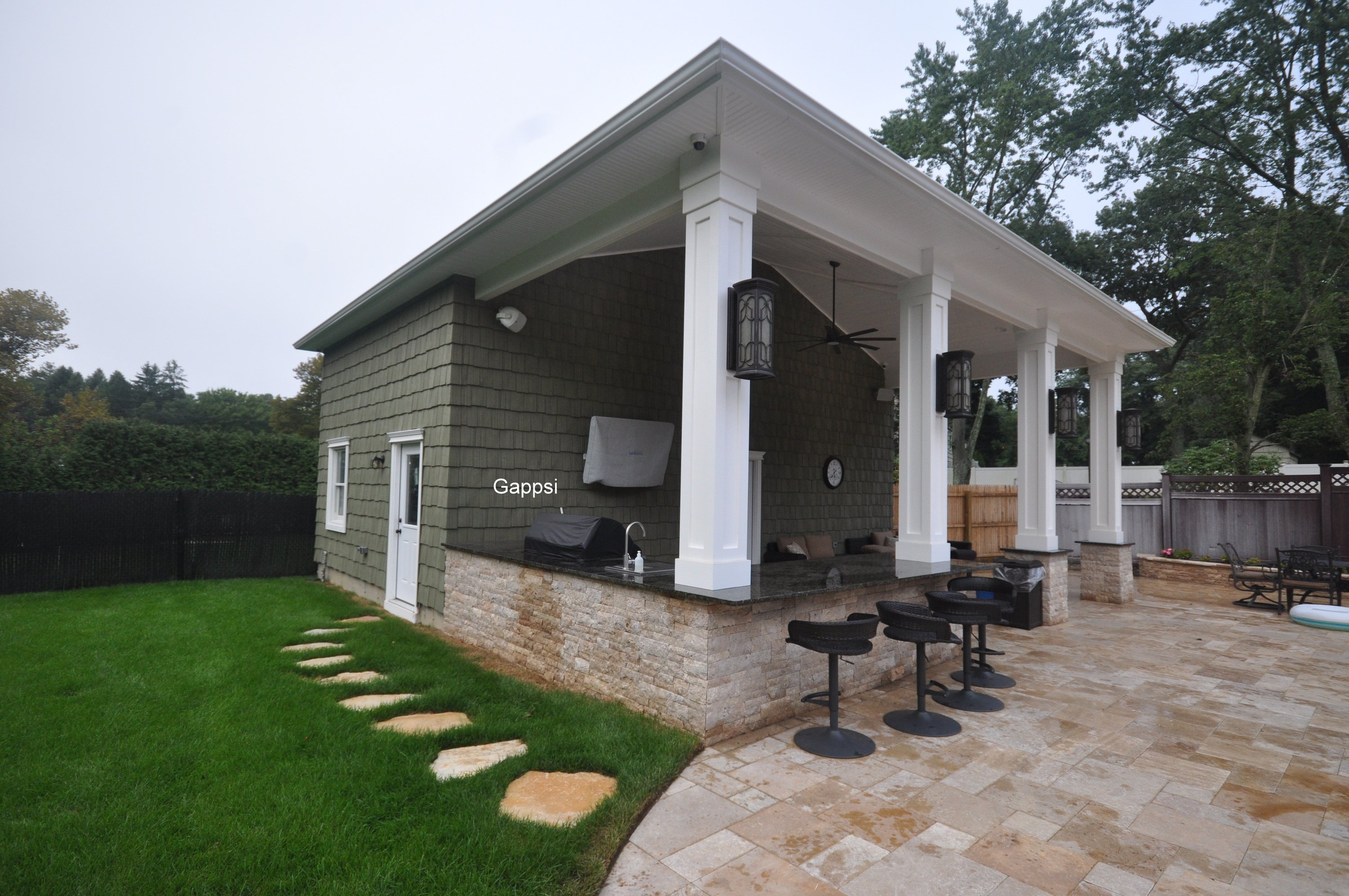 a Dix Hills GARAGE POOL HOUSE COMBINATION designer contracto - Gappsi